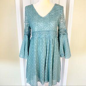 Boho Easel Blue Bell Sleeve Lace Dress Size L